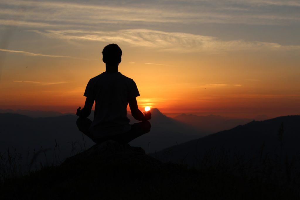 Art des montagnes – méditer